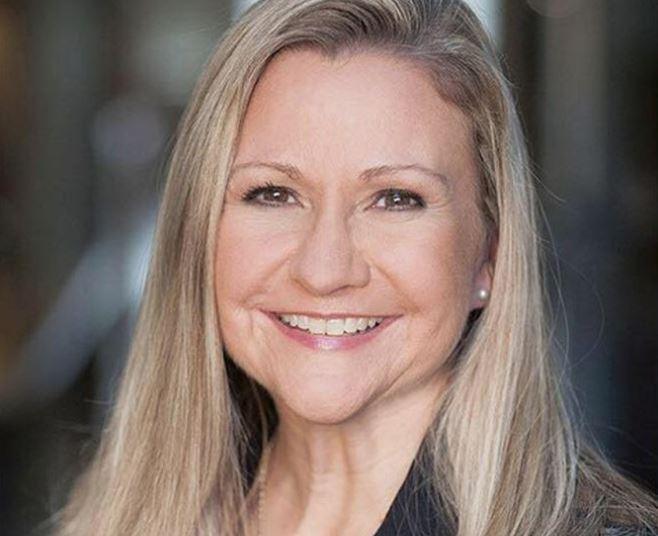 Amanda Chase (R)